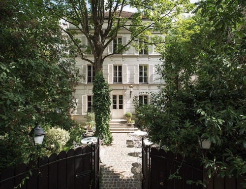 DJing tonight at one of the prettiest places in Paris (and possibly the world?) …